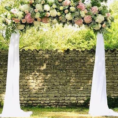 Arche demi arc de cercle voilage et fleurs