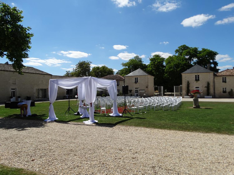 Cérémonie laïque au domaine du Griffier à Niort 17